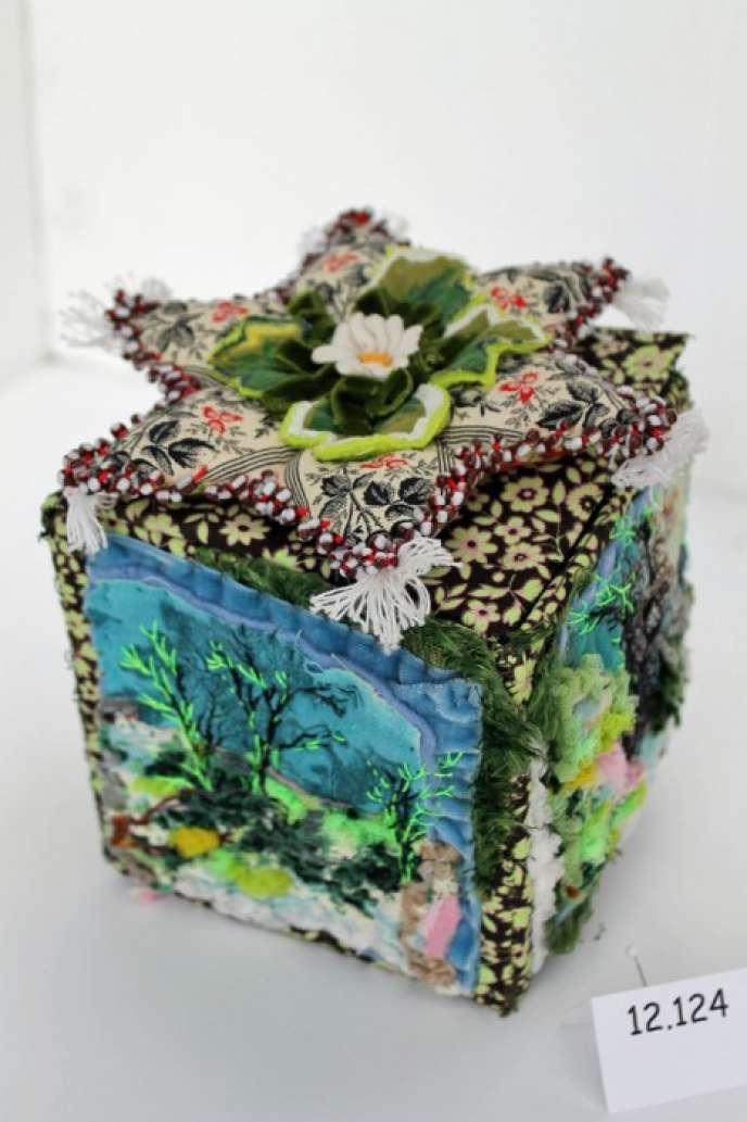 Une des boîtes de Léa Stansal.
