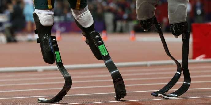 A l'issue de la finale du 200 m (T44), Oscar Pistorius s'était plaint des lames du Brésilien Alan Oliviera, qui selon le Sud-Africain, n'étaient pas réglementaires.