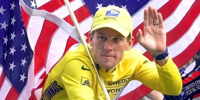 Lance Armstrong, ici le 23 juillet 2000, lors de son deuxième sacre sur le Tour de France.
