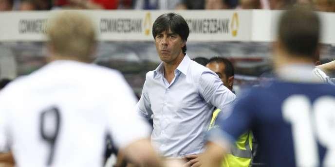 L'Allemagne et son sélectionneur Joachim Löw, ici lors du match amical face à l'Argentine, débuteront leur campagne de qualifications du Mondial 2014 face aux Iles Féroé.