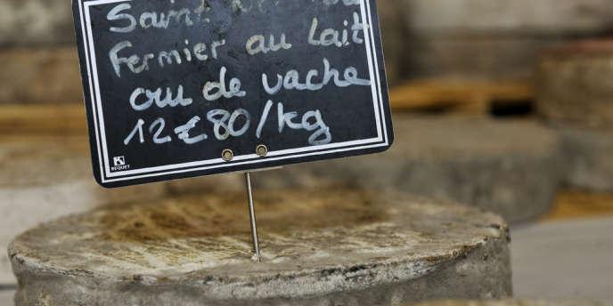 Les fromages ont été vendus soit directement à la ferme au GAEC (groupement agricole d'exploitation en commun) Fereyrol, situé à Besse (Puy-de-Dôme), soit aux rayons à la coupe chez des détaillants ou dans des supermarchés.