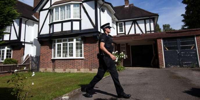 Devant la maison des Al-Hilli, à Claygate, au sud de Londres, le 6 septembre.