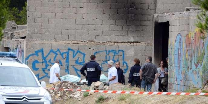 Lundi, le cadavre carbonisé d'un homme tué par balles a été retrouvé à Septèmes-les-Vallons (Bouches-du-Rhône), à la limite nord de Marseille.
