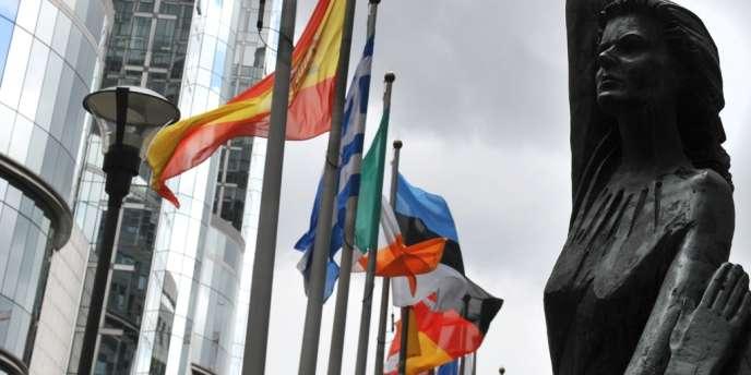 L'Espagne (- 0,4 %), la Belgique (- 0,6 %), l'Italie (- 0,7 %) s'enfoncent dans la récession.