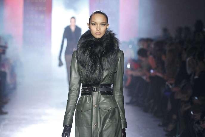 Version cuir glamour chez Jason Wu.