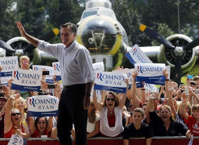 Mitt Romney en campagne au Musée de l'aviation militaire à Virginia Beach, en Virginie, le 8 septembre 2012.