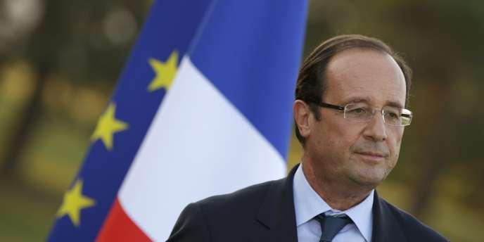 Le président, qui bat des records d'impopularité quatre mois à peine après son élection, va tenter dimanche soir de convaincre les Françaisqu'il est l'homme de la situation.
