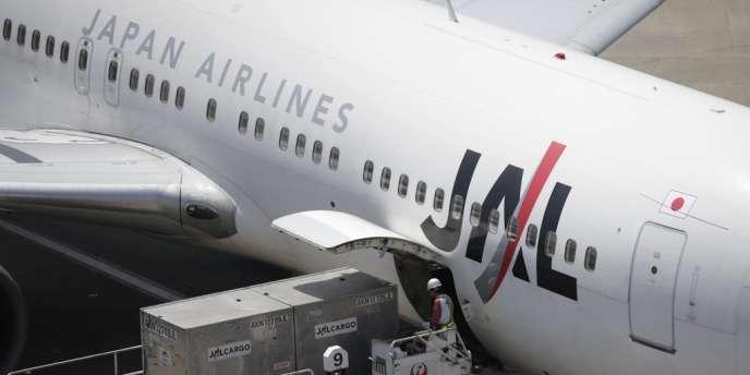 Restructurée, la compagnie aérienne Japan Airlines est confrontée à une économie nippone qui se contracte.