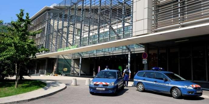 Le CHU de Grenoble, samedi 8 septembre, où est hospitalisée Zainab, 7 ans.