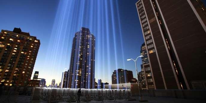 L'hommage en lumière aux victimes du 11 septembre, la veille du onzième anniversaire des attentats à New York.