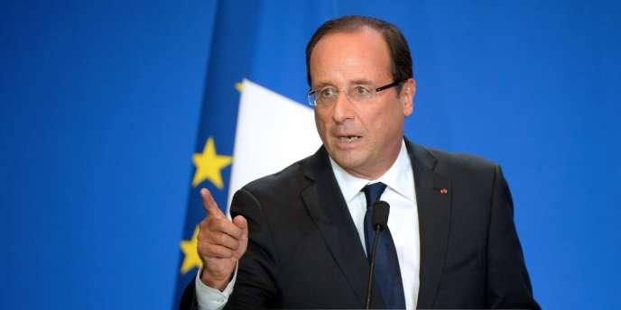 François Hollande, en visite au Salon international de l'élevage Space à Rennes, y a rencontré les représentants des salariés du groupe Doux, en faillite.