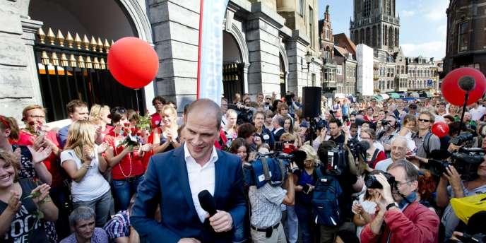 Diederik Samsom, le dirigeant du Parti social-démocrate (PVDA) s'apprête à prendre la parole à Utrecht, le 8 septembre, pendant la campagne législative.