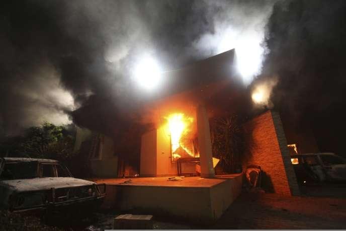 Quatre fonctionnaires américains, dont l'ambassadeur des Etats-Unis en Libye, Christopher Stevens, ont été tués le 11 septembre 2012 dans l'attaque du consulat américain à Benghazi.