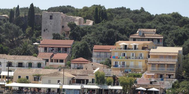 L'exploitation du terrain en bord de mer de Kassiopi, dans le nord de l'île de Corfou, fait également partie des privatisations relancées cette semaine par le gouvernement grec.