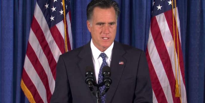 Mitt Romney a vertement critiqué la réaction de Barack Obama à la mort de l'ambassadeur américain en Libye.