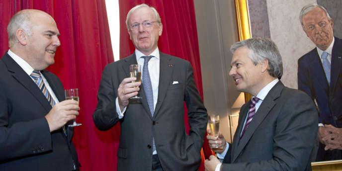 Armand De Decker (au centre), maire d'Uccle, est l'ami du milliardaire belge Albert Frère, proche de Bernard Arnault. C'est lui qui a