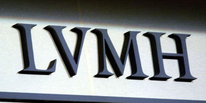 Le numéro un mondial du luxe a publié, lundi 15 avril, un chiffre d'affaires pour le premier trimestre 2013 en hausse de 6 %, à 6,97 milliards d'euros. Décevant quand on y regarde de près.