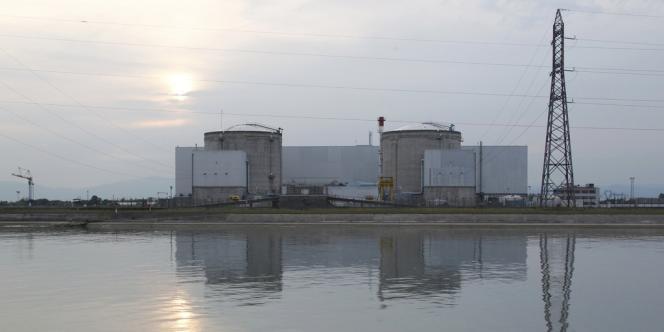 La centrale de Fessenheim sera fermée d'ici fin 2016, a annoncé François Hollande en ouverture de la conférence environnementale, vendredi 14 septembre.