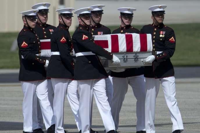 Cérémonie pour le retour des dépouilles des quatre Américains tués le mardi 11 septembre dans l'attaque du consulat américain à Benghazi, en Libye.