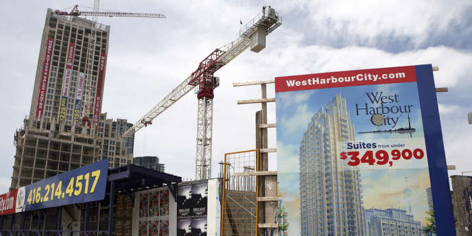 Dans la capitale financière du Canada, il n'y a pas une intersection sans un building en construction - ici, vue d'un chantier à Toronto, le 19 juin 2009.