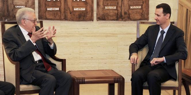 Le président syrien Bachar Al-Assad et le médiateur international Lakhdar Brahimi le 15 septembre à Damas.