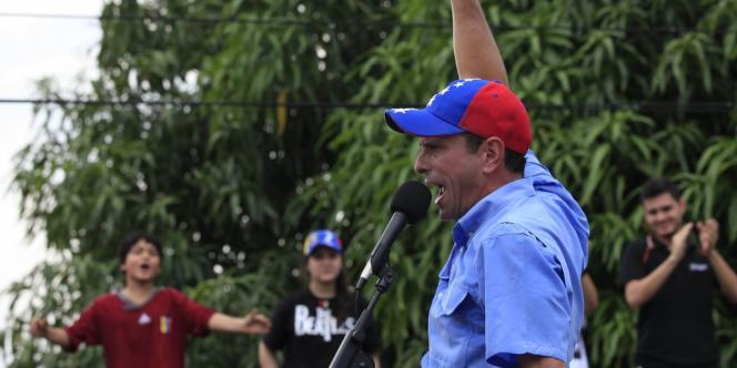 Henrique Capriles en campagne, le 12 septembre, à Puerto Cabello.