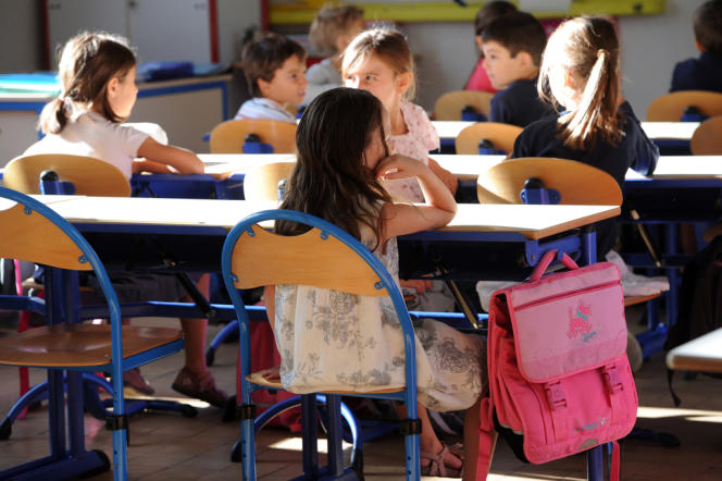 L'application de la semaine de 4,5 jours est l'objet de critiques des enseignants comme des parents.