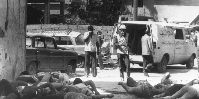 Parmi les 800 à 2 000 personnes exécutées ou disparues, des enfants et des femmes de Wadah Al-Shabek font partie des victimes du massacre de Sabra et Chatila, à Beyrouth, en septembre 1982.