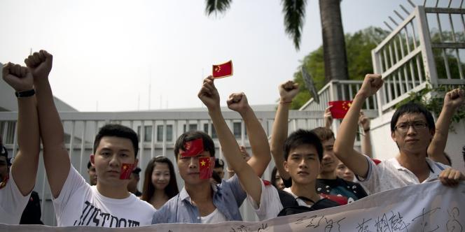 Des Chinois manifestent en Malaisie devant l'ambassade du Japon contre la nationalisation par Tokyo des îles Senkaku (Diaoyu en chinois), mercredi 19 septembre.