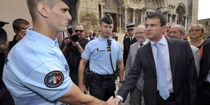 Manuel Valls, le 17 septembre, à Saint-Gilles (Gard).
