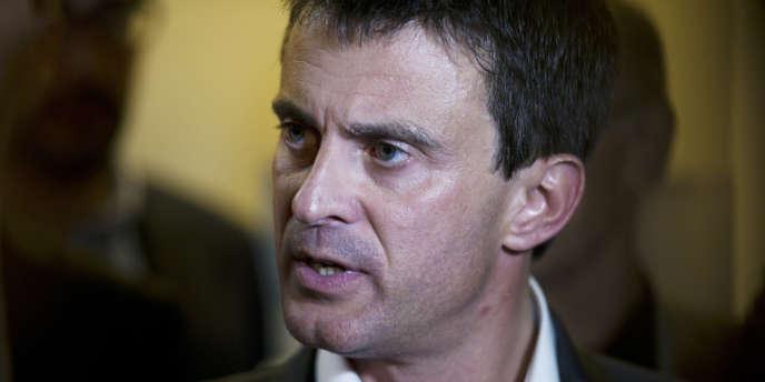 Désormais, à chaque fois que les socialistes se réunissent, ils parlent de leur collègue, le ministre de l'intérieur, Manuel Valls.
