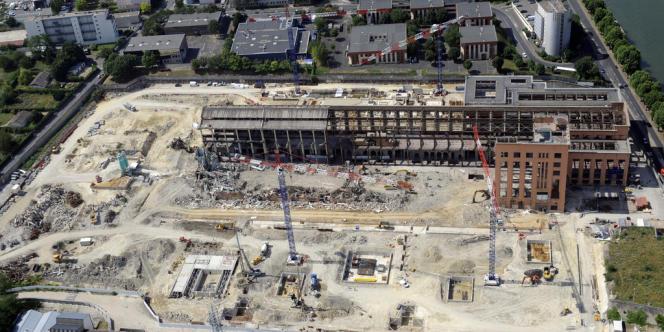 Vue aérienne du chantier de la Cité du cinéma en juillet 2010.