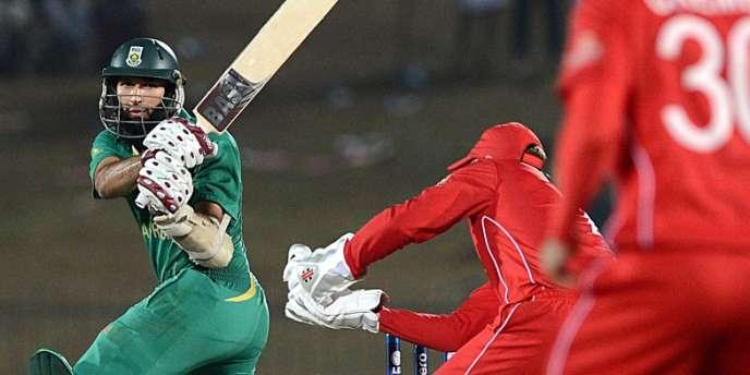 Le Sud-africain Hashim Amla, face au Zimbabwe, le 20 septembre au Sri Lanka, lors de la Coupe du monde de Twenty20.
