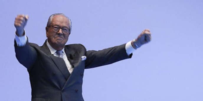 Jean-Marie Le Pen avant son discours à La Baule, pour l'université d'été du Front national, le 22 septembre 2012.