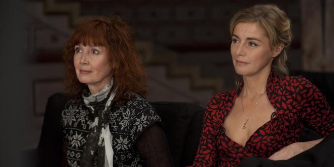 Sabine Azéma et Anne Consigny dans le film français d'Alain Resnais,