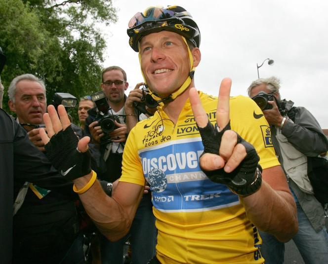 Lance Armstong, en juillet 2005 après sa victoire au Tour de France.