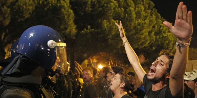 Manifestation à Lisbonne, le vendredi 21 septembre, contre les mesures d'austérité imposées par le gouvernement du premier ministre Pedro Passos Coelho.
