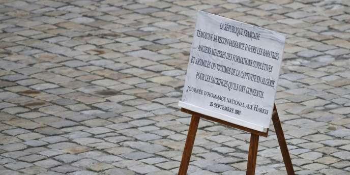 Une cérémonie d'hommage aux harkis a eu lieu à l'Hôtel des Invalides mardi.