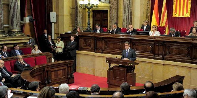 Artur Mas lors de son allocution devant le parlement régional de Catalogne, à Barcelone, le 25 septembre 2012.