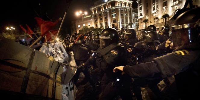 Heurts entre manifestants et policiers à Madrid, le 25 septembre 2012.