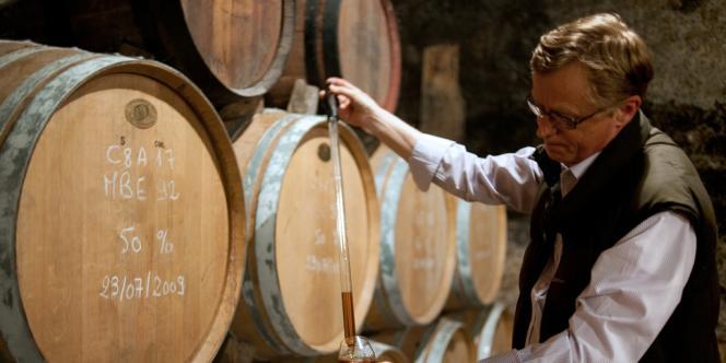 Il s'écoule en Inde près de 120 millions de caisses de whisky local, contre 90 millions de caisses de scotch whisky dans le monde.