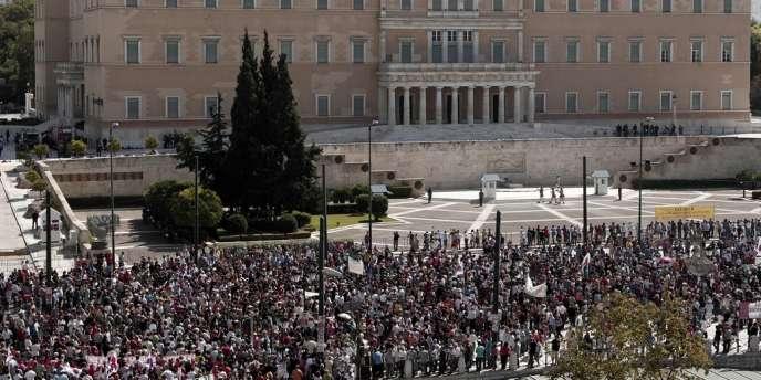 Des manifestants devant le Parlement grec le 26 septembre 2012.