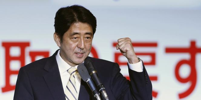 Shinzo Abe a été élu mercredi 26 septembre à la tête du Parti libéral-démocrate, entré dans l'opposition de droite en 2009 après 50 ans de règne sur le Japon.