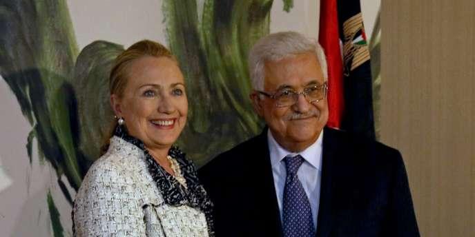 Hillary Clinton et Mahmoud Abbas.