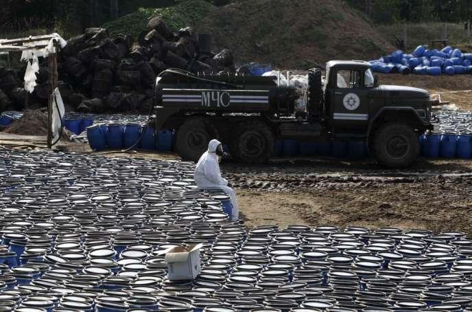 Sur le site d'enfouissement de déchets toxiques de Savichi, en Biélorussie, le 26 septembre.