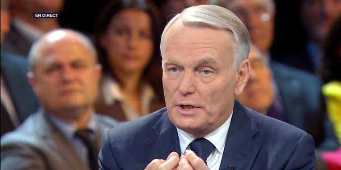 Le premier ministre, Jean-Marc Ayrault, sur le plateau de