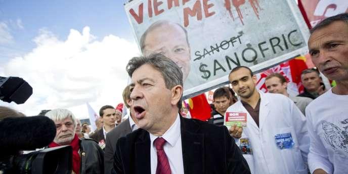 Jean-Luc Mélenchon était aux côtés des employés de Sanofi, lors d'une manifestation le 27 septembre.