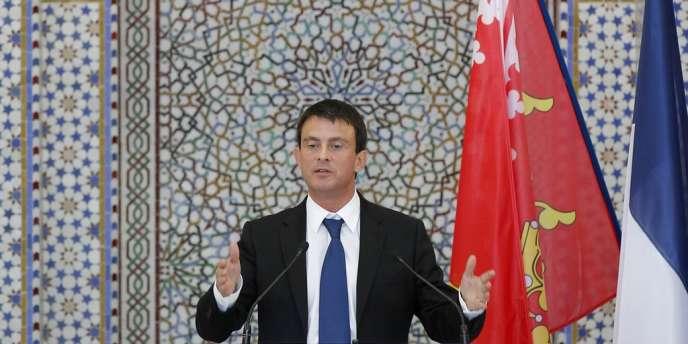 Manuel Valls, le ministre de l'intérieur, lors de l'inauguration de la Grande Mosquée de Strasbourg, le 27 septembre 2012.