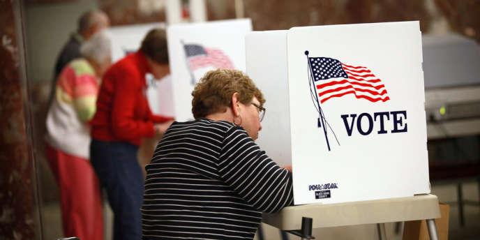 Plus de 30 Etats autorisent le vote par anticipation. Dans l'Iowa, un des Etats-clés, les bureaux de vote ont ouvert et permettent déjà de jauger la mobilisation des deux camps.