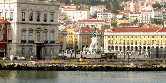A Lisbonne, les prix de l'immobilier restent raisonnables : dans le quartier classé de Baixa, le mètre carré ne dépasse pas 4 000 euros.